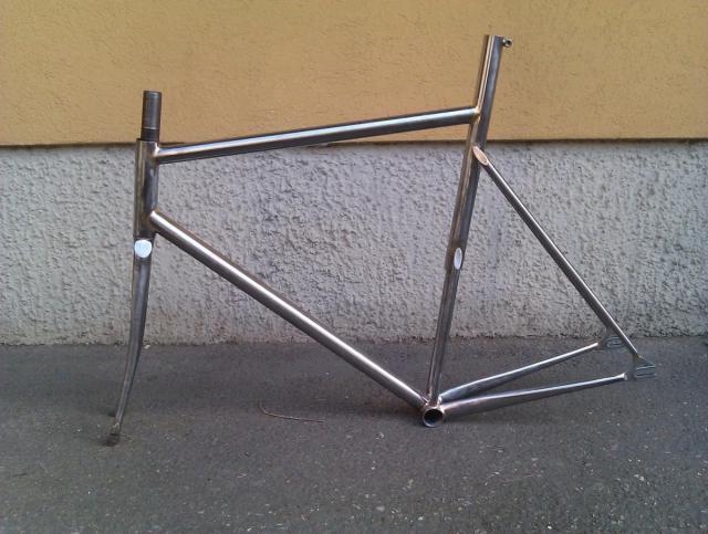 post-2406-0-31997300-1371032456_thumb.jp