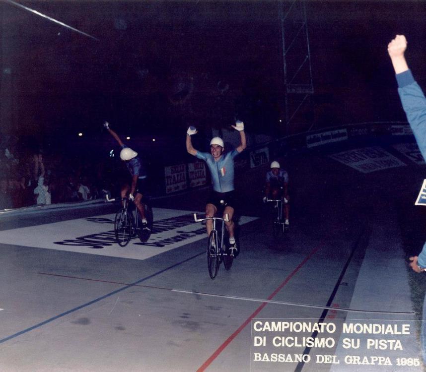 Team_pursuit_Italia_Bassano_1984_1.thumb