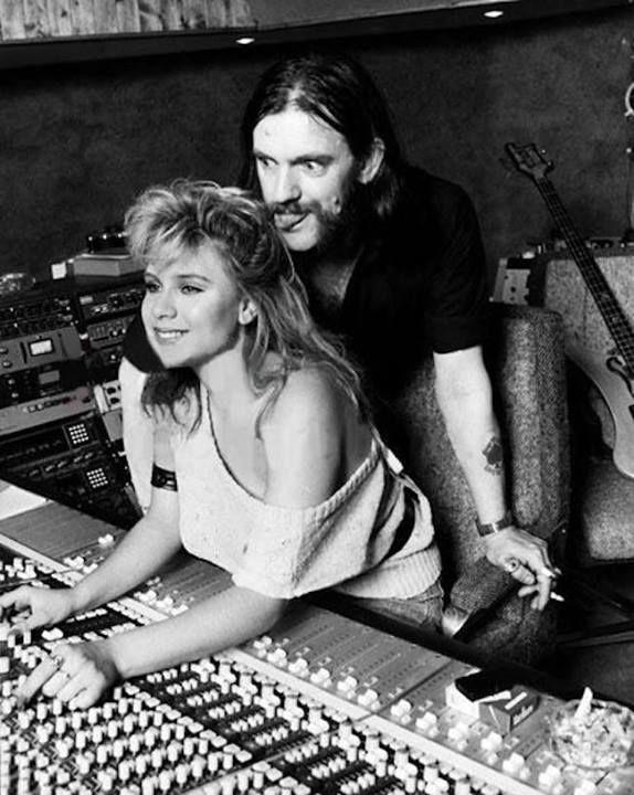 Lemmy-Kilmister-Samantha-Fox-.thumb.jpg.