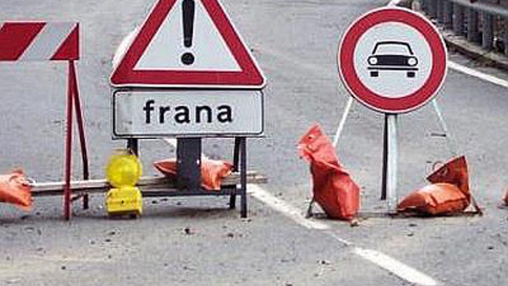 strada-chiusa-per-frana-generica-2.jpg