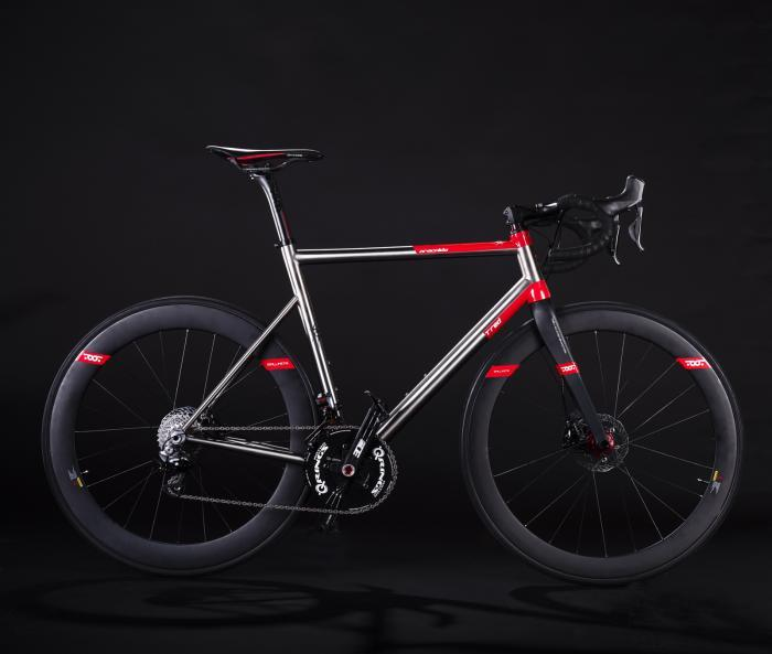 M_novita-t-red-bicicletta-titanio-aracnide-disc-aracnide-road-a-like-bike-di-monte-carlo_1.jpg.ce253337b1b390ed959b187177188f77.jpg